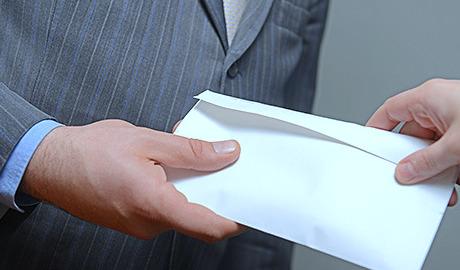 Адвокат по делам о даче и получении взятки